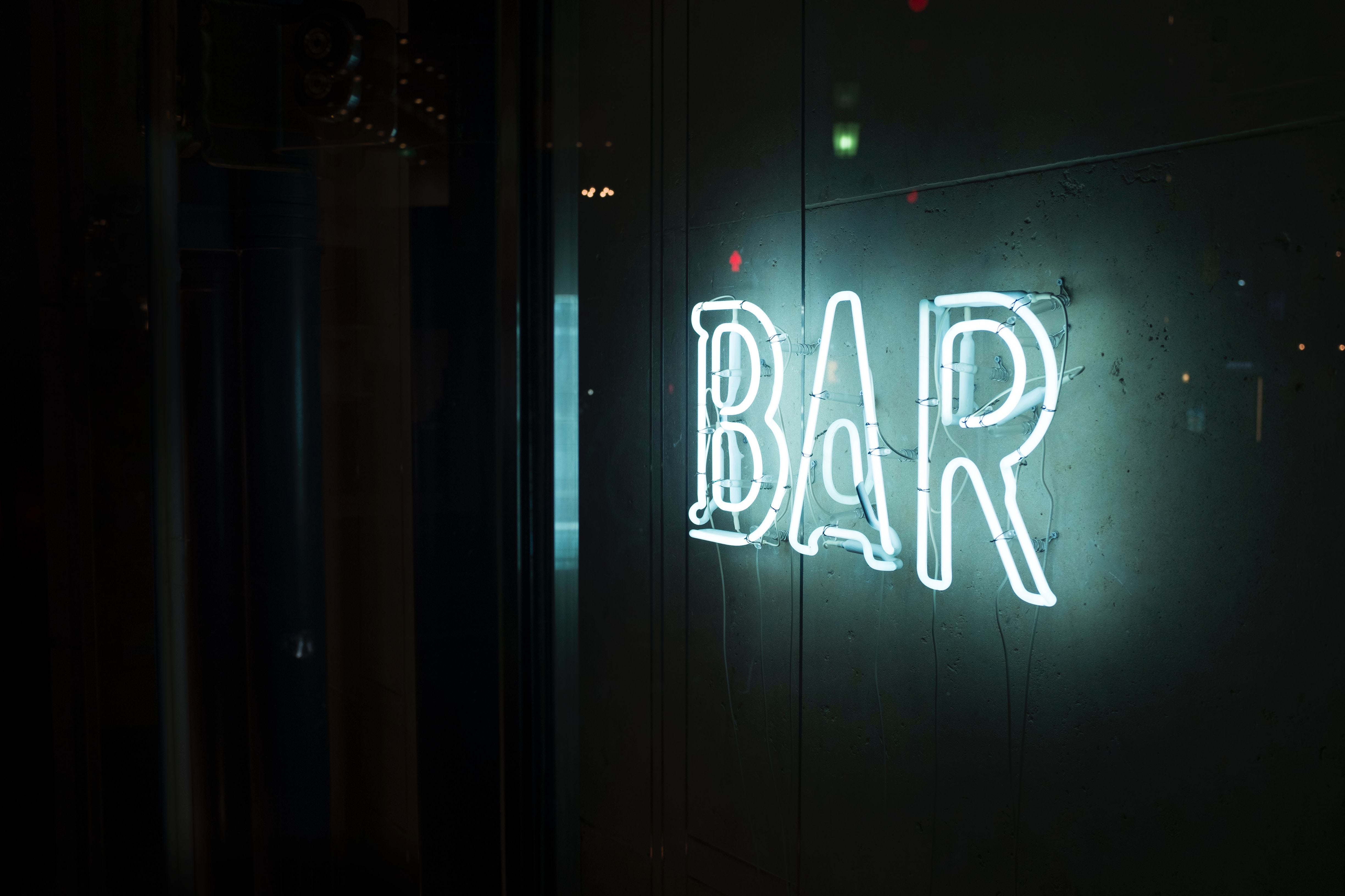 bar alex-knight-YGllNX_ol-A-unsplash